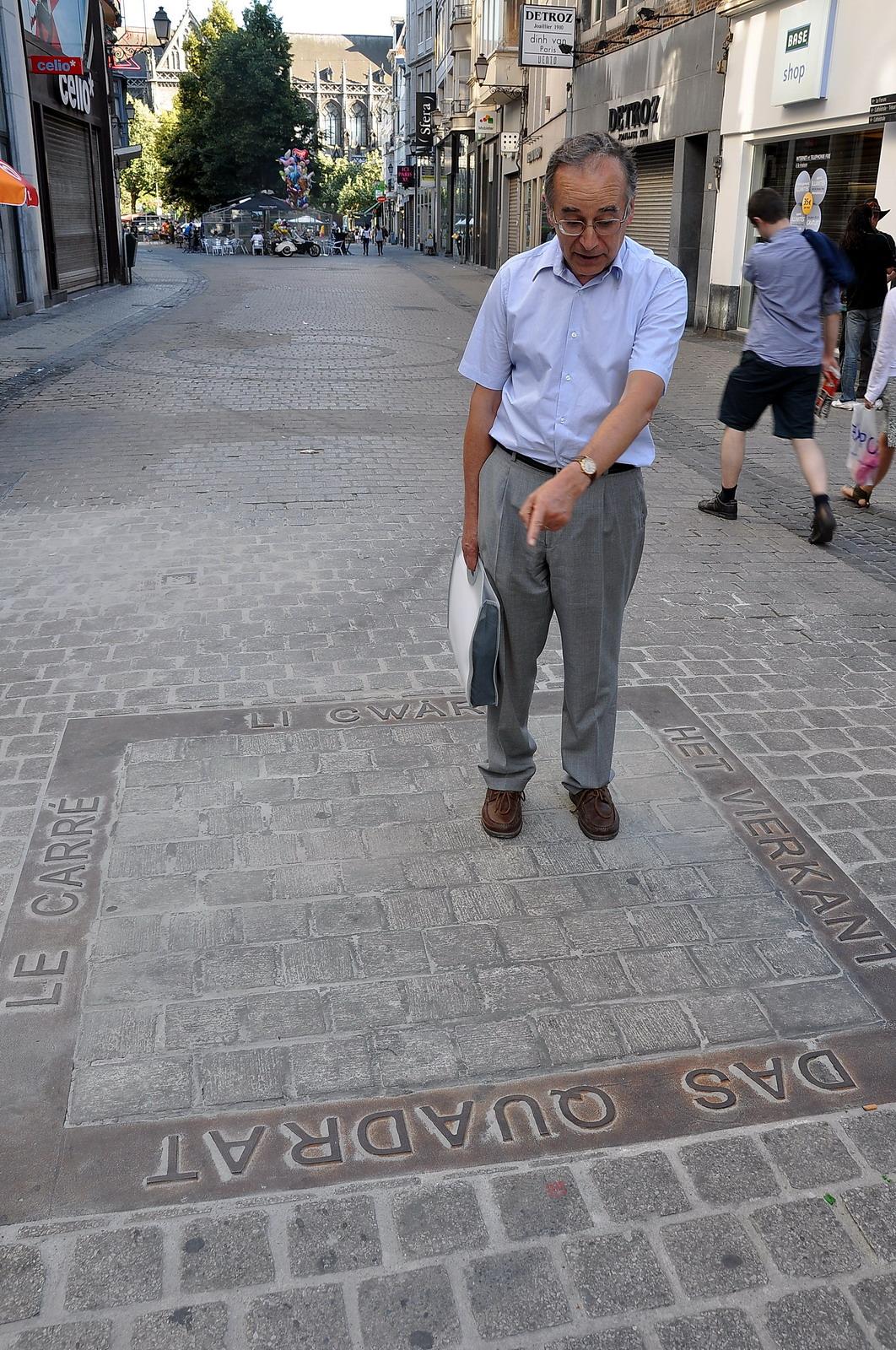Christian Roy perdu au centre d'un cadrat liégois